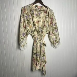 California Dynasty Vintage Lace Floral Robe